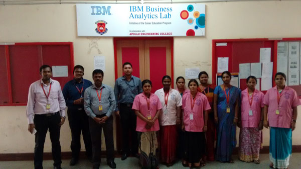 'Mr.Sanjeev Rao from IBM Software labs conducted<br />phase 3 'Big data programming' for faculties of dept CSE &nbsp; IT, on 10 - 14 Dec 2014